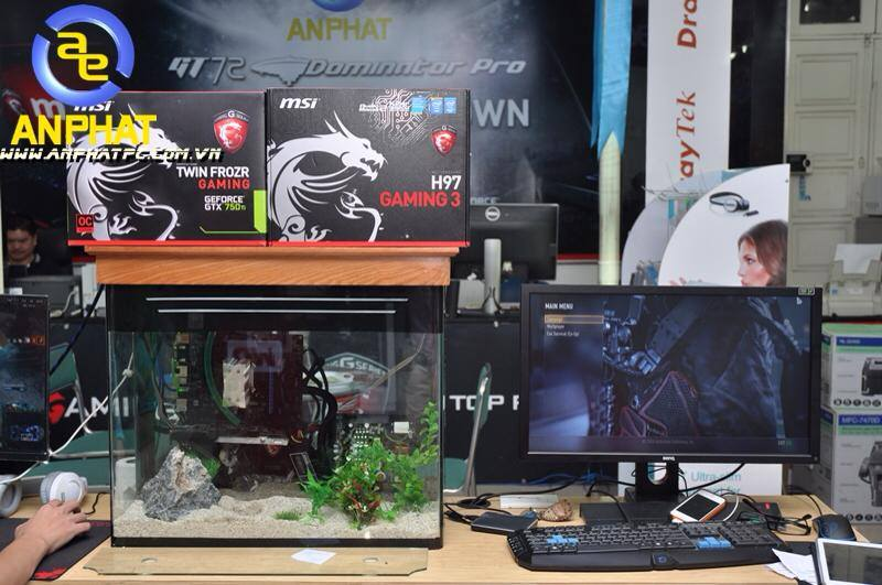dtien87_pc_aquarium_gaming_be_ca_may_tinh_choi_game_an_phat_pc_10_11_2014_5